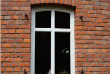 House - Brick - Briques