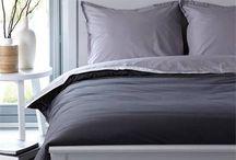 Moderne Slaapkamer / Inspiratie nodig voor een moderne slaapkamer? In een moderne interieur vindt u strakke lijnen, mooie design meubelen en weinig woondecoratie en accessoires. Simpel, minimalistisch en strak: dat zijn de kernwoorden van deze woonstijl.