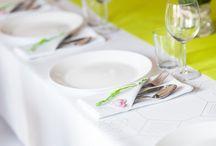 Dekoracje komunijne / Dekoracje stołu, kwiaty na komunię, stroiki komunijne, inspiracje na przyjęcie na pierwszą komunię.