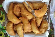 #VieniaMangiareInPuglia: le ricette di Riso Patate Borchie / Sono una delle prelibatezze della nostra regione, si possono mangiare a tutte le ore ed è impossibile non assaggiarli: cosa sono? I panzerotti ovviamente :) Oggi impariamo a prepararli con l'aiuto dei bloggers di Riso Patate Borchie. #VieniAMangiareInPuglia e cucina con noi :)