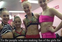 Dance moms!!!!!!!! / This is my FAVORITE show!!!!!!!