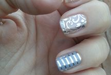 nail wraps and press on nails / Cute nails which are obviously done with wraps or press ons