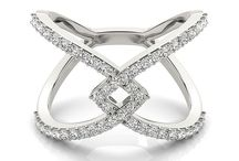 Midi-Rings / Midi-Rings are rings worn on your finger above the lower knuckle. So many fun styles to rock this midi-look!