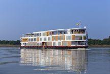 Strand Croisière / La croisière du Strand vous fait voyager sur le mythique fleuve Irrawaddy. Des vues spectaculaires s'offrent sur la Birmanie et son magnifique héritage naturel. Sur le bateau, les chambres sont décorées avec style. Ornées de boiseries fines et d'un plancher de teck, le style du Strand vous immergera dans une atmosphère de calme et de volupté au fil de l'eau.