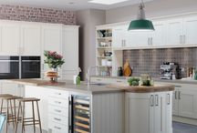 Barnes shaker kitchen / The Barnes shaker kitchen has a simple yet effective take on the classic shaker design.  Available in a choice of three colours or a painted finish.  From Units Online http://www.unitsonline.co.uk/barnes-shaker-kitchen