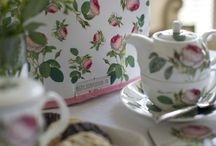 Textiles / We have many ranges of textiles to go with our fine bone china collections. The ranges include tea towels, aprons, oven gloves, tea cosy's, and shopping bags!