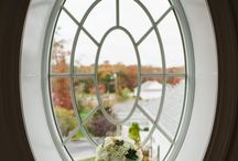Fall & Winter Weddings by Yours Truly / Colder seasons are a great option for weddings! With these ideas, you'll be well-equipped for a dreamer wedding, even in lower temps. #wedding #winterwedding #lsinlove #laurenschwarzphotography #weddingphotography #photography #weddingwednesday #bride #groom #brideandgroom #romantic