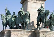 Millenniumi emlékmű Budapest / figurálne kompozície