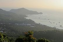 "Koh Tao / Koh Tao, ""Turtle Island"", is the jewel of the Gulf of Thailand. A tiny 20km2 rock where more people learn to dive than anywhere else worldwide each year."
