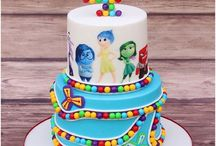 V hlave /inside out cake/