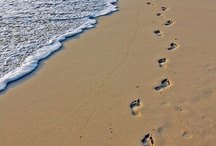FOOTPRINTS / BY LEAVING FOOTPRINTS ALONG LIFE'S JOURNEY I HAVE FOUND ME