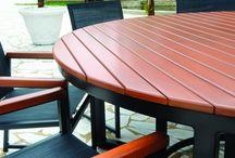 Linha Olivar / Ideal para complementar outras linhas da LaCasa Design, a linha Olivar possui espaçosa mesa (redonda ou retangular).