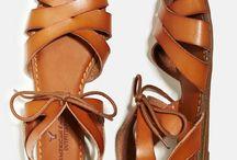 Sapatos - sandálias - sapatilhas - social.