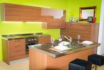 Cucina Line Canaletto / Line Canaletto - Cucina con anta in legno listellare a forte spessore con finitura in tranciato di Noce Canaletto, struttura in legno multistrati bilaminato - http://www.furleo.it/cucine/line-canaletto/