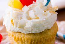 cupcakes / by pauli samaniego