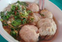 Heerlijke originele Indische soep (sop) / Soep wordt in Indonesië vaak gezien als een bijgerecht. Soep.... samen met rijst etc. Behalve de soto ayam. Die wordt ook vaker 's morgens gegeten. Natuurlijk, weer met rijst.