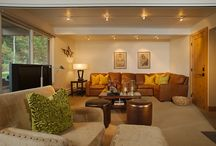 Standard Condominiums at the Aspen Alps / Each Aspen Alps apartment is individually decorated and offers a spacious living room, gas or wood fireplace, full kitchen, Cable TV, washer/dryer and patio or balcony.