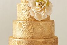 Cakes: Gold / by Bonnie Merchant