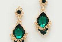 Jewels & Sparkles / by Niina Sormunen