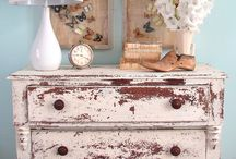 Distressed Furniture Look I love / by Mariah Jane's Loft