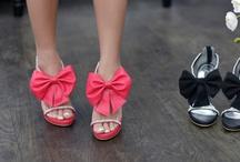 Shoe Addicts / by Lyndsay Rosenbalm