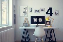 Work Desk - Coin Bureau