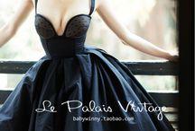 Corset dresses / Dresses with à chique / casual corset look