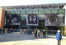150ème anniversaire de la naissance de Toulouse-Lautrec / La ville d'Albi fête le 150ème anniversaire de la naissance de Toulouse-Lautrec. La médiathèque d'Albi participe à l'expo XXL organisée dans toute la ville. Qu'en pensez-vous ? Nous, on aime beaucoup ! Pour info, Henri de Toulouse-Lautrec est né le 24 novembre 1864 à Albi et mort le 9 septembre 1901 au château Malromé.