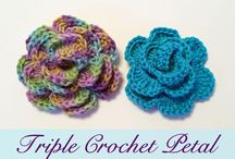Crochet Flowers / Patterns of flowers which are free