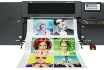 """Konica Minolta EFI H1625 LED / Full-bleed full-color printing  Handles substrates up to 65"""" wide  Four color modes plus white  Express mode: 458 ft²/hr  For more information contact us: social@smartprint-uk.com"""