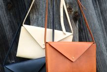 Bags/clutches.