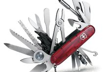Victorinox Swiss Army Holiday Wish List / You want something that opens your wine AND clips your toenails? Victorinox Swiss Army has a tool for that.