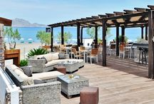 Azzurro @ Lindian Jewel Hotel and Villas Lindos Vlicha / Azzurro Bar is a Lounge Bar and the ideal place to relax and unwind. It is a Beach Bar and the perfect place to enjoy a cocktail. Providing a satellite TV, you can also watch live sports.