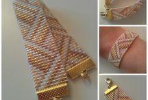 Bracelets tissés / by Classeurdecole