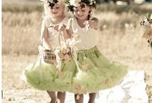 Koszorúslánykák (Flower girls)