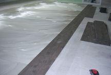 pvc stroken, pvc flooring / pvc stroken in diverse ruimtes, van woonkamer tot bedrijfsruimte.