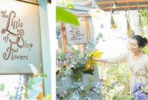 壱岐ゆかり / 「THE LITTLE SHOP OF FLOWERS」主宰。フラワープランナー。 インテリアショップ、ファッションプレスなどを経て、週末だけのフラワーショップを代々木上原にオープン。日々の小さな贈り物の提案から展示会やパーティ、結婚式の装飾・演出などを独特のスタイルで展開。現在は、明治神宮前の一軒家に本店を構える。2015年3月にはLAでエキシビションを開催。   THE LITTLE SHOP OF FLOWERS 東京都渋谷区神宮前6-31-10  Tel : 03-5778-3052 http://www.thelittleshopofflowers.jp