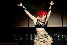 burlesque stage Kiki Beguin / Burlesque performances from kiki beguin