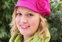 Kevät- ja kesäpäähineet. Spring and summer hats / Pääasiassa luonnonmateriaaleista valmistettuja päähineitä. Käytössämme myös kierrätysmateriaaleista valmistettuja tuotteita. Products are made of natural materi