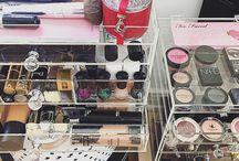 Blogger Makeup organizer MosBox