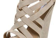 Shoes <3 / by Alizabeth Espenschied