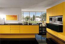 Int: Kitchen