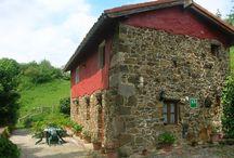 LA CASINA DE GIRANES FOTOS / Apto.rural, en casa de aldea del siglo XVIII, con murales en piedra y madera, en un lugar privilegiado de Asturias, centro oriental