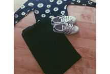 Simplest  / Adidas superstars and daisy top