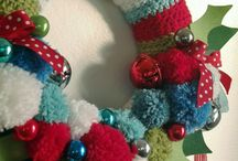 Crochet Christmas wreath and decoration bits