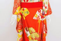 婚礼衣装(白無垢・色打掛・引振袖など) / 白無垢・色打掛・引振袖・振袖など。 婚礼衣装のレンタル・着付け・ヘアメイク・日本髪地毛結いなど承ります。 下見・試着相談は、要予約。