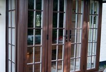 Natural Wood Windows and Doors / Available across the Evolution Collection, the patented timber-look joint has been designed to allow all sashes to closely replicate the classic joinery methods used in the production of traditional windows. Timber-look corner joints are the epitome of elegance produce a truly authentic and beautiful window frame. This unique joint has all the beauty of natural timber, but all the strength of a modern weld. All the style of timber without any of the compromise.