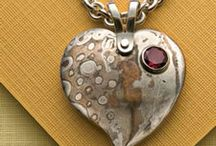 necklace making: necklace and pendant designs / Necklaces and pendants are a wonderful attention-grabbing accessory. Make your own unique necklaces with these necklace designs! / by Jewelry Making Daily