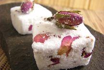 Homemade Bath Soaks / Soak away the day with DIY bath soak, milk and salt recipes