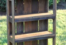 bookshelf pallets wood